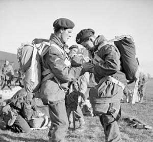 Parachute_training_1944[1]